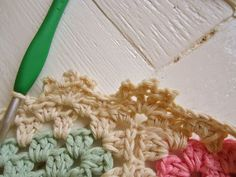 Tutorial for a pretty shell edging by Color 'n Cream