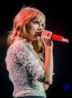 The Red Tour 2013