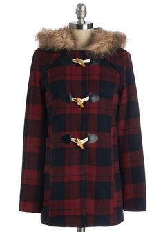 Home Tour Guide Coat This coat boasts a faux-fur-trimmed hood on a red and blue Buffalo plaid pattern, fully lined outerwear. Vintage Coat, Retro Vintage, Indie Outfits, Cute Outfits, Fall Winter Outfits, Winter Fashion, Plaid Coat, Red Plaid, Tartan
