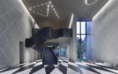 Sales gallery — TAICHUNG — 2014- Antonio Citterio #antoniocitterio #stairs #stairsdesign #retaildesign #interiordesign