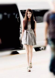 iu and lee ji eun 이미지 Iu Fashion, Asian Fashion, Airport Fashion, Korean Beauty, Asian Beauty, Airport Style, Beautiful Asian Women, Sexy Asian Girls, Asian Woman