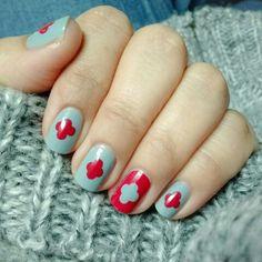 #NailArt #NailPolish #Essie