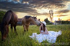 cowgirl bride and her horse