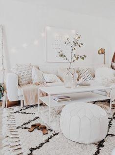 Cozy house, cute living room, cozy living, home design living room, living Living Room Themes, Living Room Decor Cozy, Living Room Grey, Small Living Rooms, Home Living Room, Apartment Living, Living Room Designs, Modern Living, Cozy Apartment