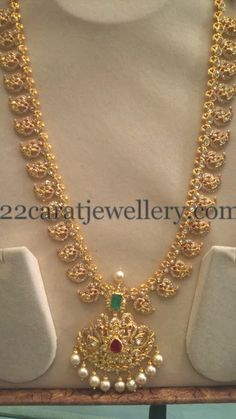 New Long Chains by Sri Mahalaxmi Jewellers - Jewellery Designs Indian Jewellery Design, Latest Jewellery, Jewelry Design, Gold Chain Design, Golden Jewelry, Jewelry Patterns, Necklace Designs, Wedding Jewelry, Jewelry Collection