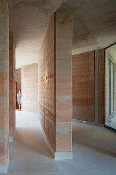Ajijic House by Tatiana Bilbao Architecture Art Design, Sustainable Architecture, Architecture Details, Residential Architecture, Contemporary Architecture, Contemporary Interior, Rammed Earth Homes, Rammed Earth Wall, Super Adobe