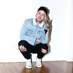 "19.9k Likes, 197 Comments - Travis Mills (@travismills) on Instagram: ""wtf am I grabbing : @pardiniphoto"""