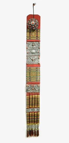 Tibet | High Lama's or Abbot's back ornament | Silver, coral, silk, gold thread | Himalayas.