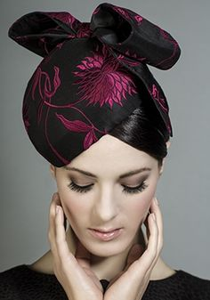 R1393 - Black and pink embroidered silk heart pillbox with bow