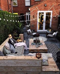 Hi there Cozy patios for festive weekends Enjoy and cherish every moment of it credits to Budget Home Decorating, Decorating Bedrooms, Decorating Ideas, Apartments Decorating, Decor Ideas, Rue Verte, Cozy Patio, Wholesale Home Decor, Home Improvement Loans