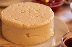 Portuguese Fresh Cheese Recipe This delicious Portuguese fresh cheese (queijo fresco) is a very light cheese with a lot of moisture, it is very simple to make and goes great with fresh bread. Fresh Cheese Recipe, Homemade Cheese, Cheese Recipes, Cooking Recipes, Cheese Food, Cake Recipes, Vegetarian Recipes, Portuguese Desserts, Portuguese Recipes