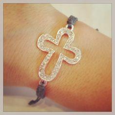 Cross macrame bracelet by AroundMyWrist on Etsy, Cute Jewelry, Jewelry Crafts, Jewelry Accessories, Unique Jewelry, Jewelry Ideas, Things To Buy, Girly Things, Fun Things, Macrame Bracelets