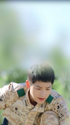 Descendants of the Sun-Korean Drama_Song Korean Drama Songs, Korean Drama Series, Song Joong Ki Cute, Popular Korean Drama, Song Joong Ki Birthday, Decendants Of The Sun, Song Joon Ki, Sun Song, Songsong Couple