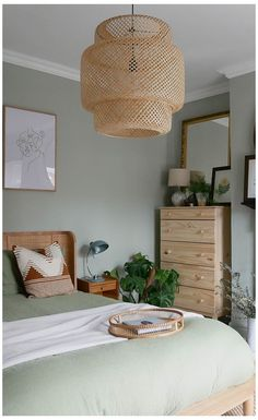 Green And White Bedroom, Green Bedroom Walls, Bedroom Wall Colors, Room Ideas Bedroom, Home Decor Bedroom, Budget Bedroom, Light Green Rooms, Small Bedroom Hacks, Light Pink Bedrooms