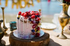 Wanting to do something unique for your birthday this year? Why not grab your closest friends and set up a boho picnic, just like this one by Perth stylist Lace Petals & Hearts!
