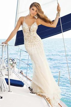 Modern Beach Prom Dresses Backless Champagne Tulle Spaghetti Straps Beaded Mermaid Long V-neck Luxury 2014-2015 China Evening Gowns