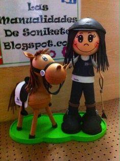 LAS MANUALIDADES DE SONIKETE: Fofucha Natalia y su caballo