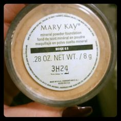 Mary Kay mineral powder foundation in Beige 0.5 Wasn't my color. Mary Kay Makeup Face Powder
