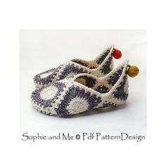 Granny Square Elf Slippers pattern by Sophie and Me-Ingunn Santini Ravelry: Granny Square Elf Slippers-Muster von Sophie und Me-Ingunn Santini Crochet Slipper Pattern, Granny Square Crochet Pattern, Crochet Granny, Knit Crochet, Crochet Patterns, Ravelry Crochet, Crochet Cushions, Crochet Pillow, Afghan Patterns
