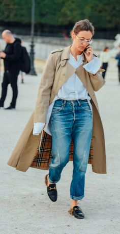 TOMMY TON, BURBERRY TRENCH COAT, GUCCI LOAFER, DENIM JEANS, STREET STYLE