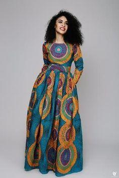 Maxi robe en wax multicolore par Audree-hope pour Afrikrea. https://www.afrikrea.com/article/robe-maxi-d-impression-africaine-robes-tuniques-multicolore-pour-elle-wax/E75LI38?utm_content=bufferde339&utm_medium=social&utm_source=pinterest.com&utm_campaign=buffer