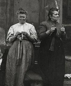 Emil_Mayer employées de maison au chômage occupant le temps d'attente d'une nouvelle place Vienne ( autriche) 1905 1914