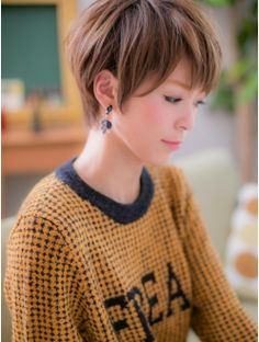 カバーヘアアンドスパブリス 浦和店(COVER HAIR & SPA bliss) *+COVER HAIR+*…ツヤ色輝く☆ナチュラルショートb Short Choppy Hair, Long To Short Hair, Girl Short Hair, Short Hair Cuts, Short Hair Styles, Pixie Haircut, Hairstyles Haircuts, Pretty Short Hair, Grey Hair And Makeup