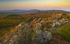 https://flic.kr/p/yzYh93   Menez Are s'éveille (Breizh) - Finistère   Le calme matinal, du Roc'h Trévezel au Menez Mikel (Mont Saint-Michel de Braspart) dans les Monts d'Arrée - Menez Are - au coeur même du Finistère.