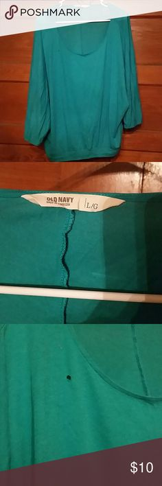 Teal Old Navy shirt Teal comfy shirt. Wide arms. Stretchy bottom. Does have a small hole near the neck Old Navy Tops
