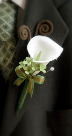 Mini Calla Lilly Boutonniere. $20.00, via Etsy.