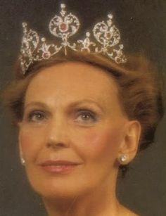 Tiara Mania: Ruby Tiara worn by Countess Marianne Bernadotte af Wisborg
