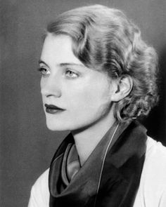 Lee Miller, a brave woman with outrageous and talented beauty... Condé Nast launched her as a VOGUE cover girl in 1927, then she became surrealist photographer as assistant and muse of Man Ray. She was the only female combat photographer in Europe during the II War, documented the liberation of Dachau and Buchenwald concentration camps.