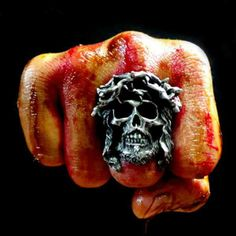 Crown of Thorns ring available today !! Get Christmas and New Year 20% discount plus free shipping worldwide by simply applied the discount code of WORKHARDHARDWORK at www.fourspeedmetalwerks.bigcartel.com More info at info@fourspeedweb.com