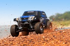 Telluride: 1/10-scale 4X4 Electric Extreme Terrain 4WD Monster Truck | Traxxas