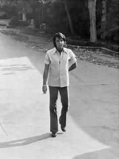Elvis Presley in his driveway circa 1970s       In California