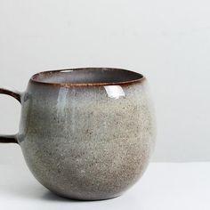 Handmade large glazed mug - Att Pynta