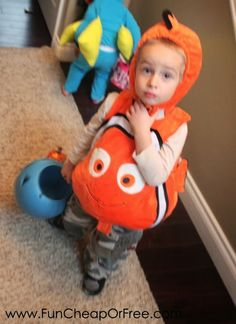 sc 1 st  Pinterest & Diver From Finding Nemo | Fun group Finding nemo and Costumes