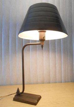Faries-B-A-Dickerson-Art-Deco-1937-Desk-Lamp-Von-Nesson-machine-age-steampunk