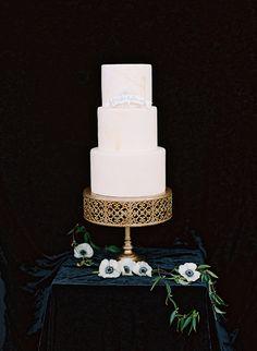 classic wedding cake - photo by Adam Barnes http://ruffledblog.com/organic-greenhouse-wedding-inspiration