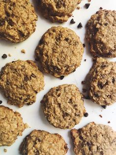 Curve your hunger and boost your milk supply with these yummy lactation cookies. Cookies Gluten Free, Gluten Free Baking, Gluten Free Desserts, Gluten Free Recipes, Healthy Baking, Healthy Eats, Healthy Snacks, Healthy Lactation Cookies, Lactation Recipes