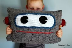 Free crochet pattern: Robot Pillow by Sincerely, Pam #crochetcharitydrive