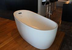 Bain ovale Bathtub, Bathroom, Freestanding Bath, Standing Bath, Bath Room, Bath Tub, Bathrooms, Bathtubs, Bath
