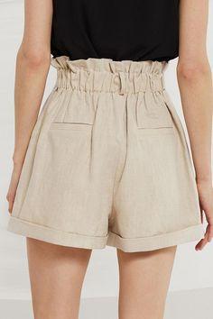 Source by shorts Comfortable Summer Outfits, Summer Outfits Women, Short Outfits, New Wardrobe, Capsule Wardrobe, Linen Jackets, Women's Jackets, Balloon Pants, Linen Shorts