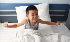 How many hours of sleep do children need? Check out these guidelines to help your students enhance healthy sleeping habits from the American Academy of Pediatrics! Kids Sleep, Good Sleep, Healthy Sleep, Healthy Kids, Baby Bottle Tooth Decay, Solids For Baby, Sleeping Too Much, American Academy Of Pediatrics, Bedtime Routine