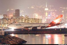 Qantas Boeing 747-400: Hong Kong - Kai Tak International (HKG)