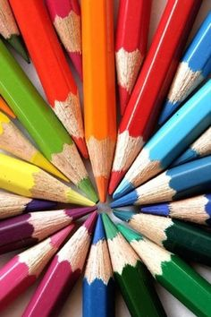Color Wheel created with colored pencils Taste The Rainbow, Over The Rainbow, World Of Color, Color Of Life, Image Crayon, Color Crafts, Coloured Pencils, Color Pencil Art, Color Theory