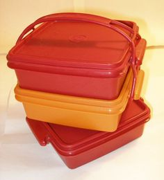 THREE VINTAGE SANDWICH KEEPERS HARVEST COLORS RED (CARDINAL) & GOLD W/ HANDLE #Collectible