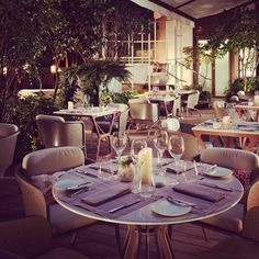 On the occasion of #BastilleDay on July 14th, #camelia restaurant will propose à five-course tasting menu revisiting French gastronomy including a glass of Champagne. A band will be playing all the successes of the French songs. A 100% French evening! Reservations at + 33 (0) 1 70 98 74 00 #mofoodies