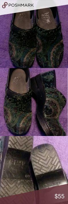 Dansko  (38) Good condiion. Suede.  Size 7.5 /8 (38) Dansko Shoes