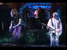 Another example of live music on television, this time as an introduction to MTV's Video Music Awards in 1992 with Nirvana. Sometimes everything doesn't go as planned (by the producers), as is evident in the band's smashing of the stage.